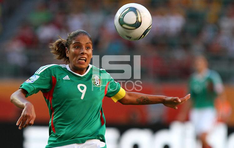 Wolfsburg , 270611 , FIFA / Frauen Weltmeisterschaft 2011 / Womens Worldcup 2011 , Gruppe B  ,  .England - Mexico .Maribel Dominguez (Mexico) .Foto:Karina Hessland .