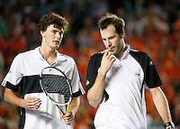 7-4-07, England, Birmingham, Tennis, Daviscup England-Netherlands, Jaimie Murray and Greg Rusedski