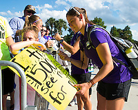 Orlando, Florida - Thursday, June 23, 2016: Orlando Pride defender Laura Alleway (5) takes time to sign an autograph upon entering the stadium prior to a National Women's Soccer League match between Orlando Pride and Houston Dash at Camping World Stadium.