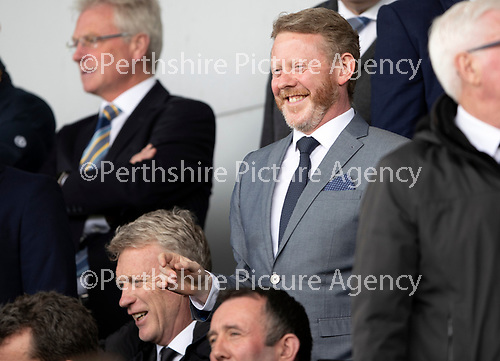 St Mirren v St Johnstone….27.04.19      St Mirren Park        SPFL<br />St Johnstone fan Colin McCreadie with David Moyes<br />Picture by Graeme Hart. <br />Copyright Perthshire Picture Agency<br />Tel: 01738 623350  Mobile: 07990 594431