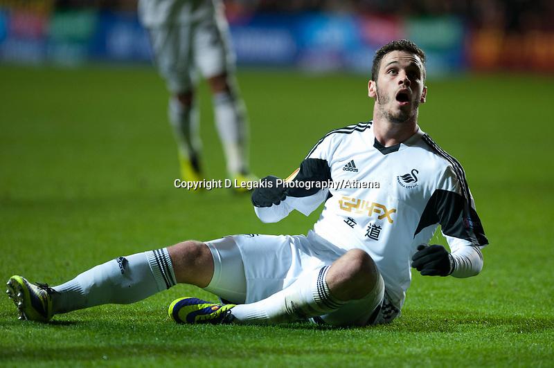 Thursday 28 November  2013  Pictured:<br /> Re:UEFA Europa League, Swansea City FC vs Valencia CF  at the Liberty Staduim Swansea