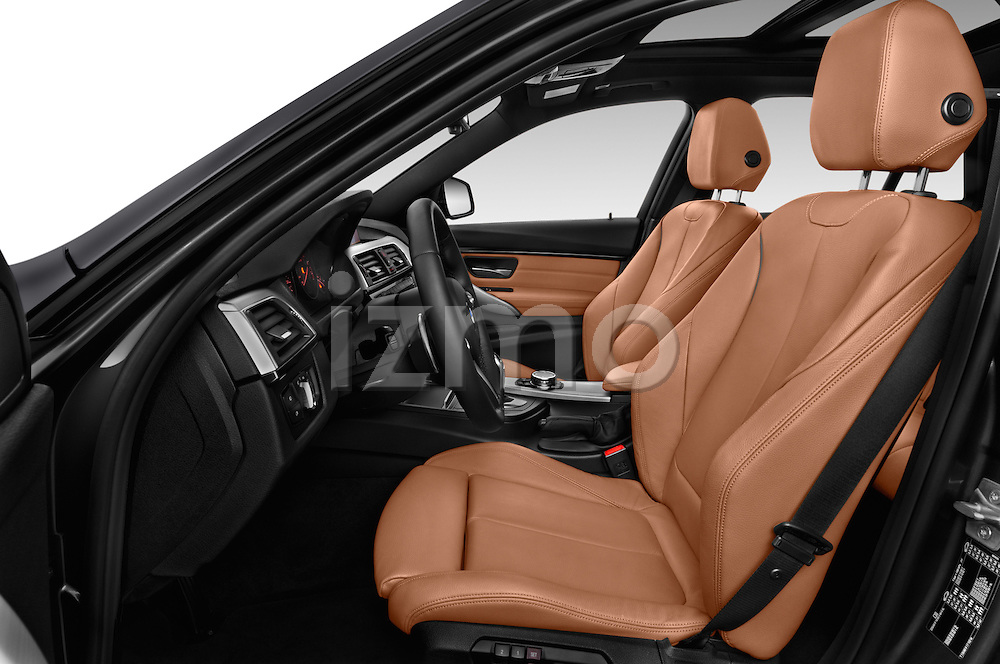 Front seat view of 2016 BMW 3-Series 328i-xDrive-Sports-Wagon 5 Door Wagon Front Seat  car photos