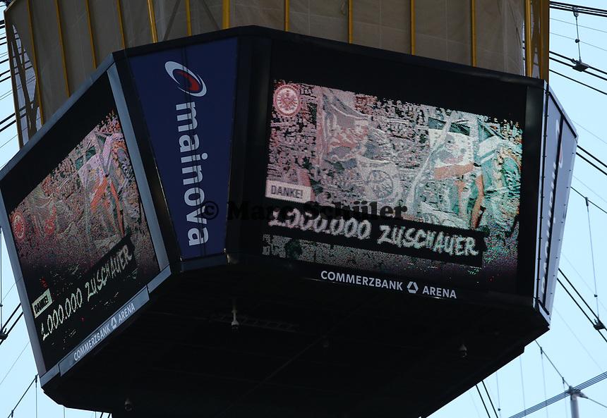 Dank für eine Million Zuschauer in dieser Saison - 14.04.2019: Eintracht Frankfurt vs. FC Augsburg, Commerzbank Arena, 29. Spieltag DISCLAIMER: DFL regulations prohibit any use of photographs as image sequences and/or quasi-video.
