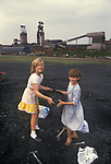 Miners strike 1984. Shirebrook Colliery Derbyshire. Strilking Miners have to scavenge for coal, children are helping their parents who are on strike. Working miners keep their free coal perk. 1980s UK