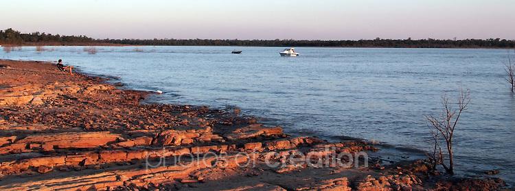 Lake Maraboon at dusk