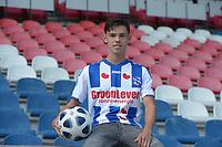 VOETBAL: HEERENVEEN: 31-08-2018, Presentatie Mitchell van Bergen (19) hij komt over van Vitesse en tekende een contract voor 4 jaar bij SC Heerenveen, ©foto Martin de Jong