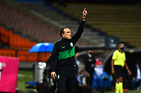 MEDELLIN- COLOMBIA, 28-11-2020: Alejandro Restrepo  técnico del Atlético Nacional  gesticula durante partido por los cuartos de final Vuielta como parte de la Liga BetPlay DIMAYOR 2020 entre Atlético Nacional y  América de Cali  durante partido por los cuartos de final ida como parte de la Liga BetPlay DIMAYOR 2020 entre América de Cali y Atlético Nacional jugado en el estadio Atanasio Girardot de la ciudad de Medellín. / Alejandro Restrepo coach of Atletico Nacional  gestures during match for the quarter final second  leg as part of BetPlay DIMAYOR League 2020 between Atletico Nacional  and América de Cali played at Atanasio Girardot  stadium in Medellin city. / Juan Cruz Real coach of America de Cali gestures during match for the quarter finals second  leg as part of BetPlay DIMAYOR League 2020 between Atletico Nacional and America de Cali and  played at Atanasio Girardot  stadium in Medellin. Photo: VizzorImage / Luis Benavides / Contribuidor