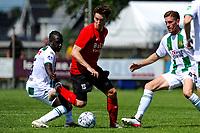 LEEK - Voetbal, Pelikaan S - FC Groningen , voorbereiding seizoen 2021-2022, oefenduel, 03-07-2021,  FC Groningen speler Azor Matusiwa met Pelikaan S speler Johnny de Vries