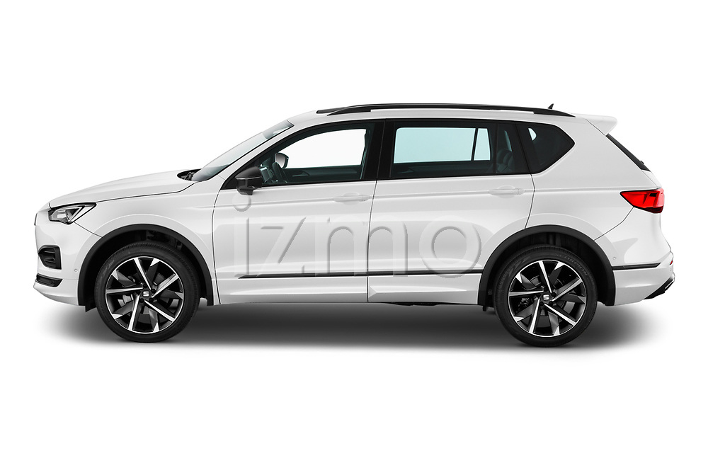 Car Driver side profile view of a 2020 Seat Tarraco FR 5 Door SUV Side View