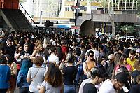 02.07.2019 - Fila para a exposição Tarsila Popular no MASP