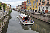 - Milano, Naviglio Grande, navigazione turistica<br /> <br /> - Milan, Naviglio Grande canal , tourist navigation