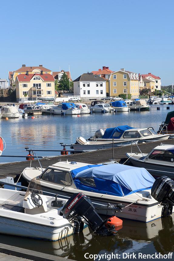 Häuser auf Ekholmen in Karlskrona, Provinz Blekinge, Schweden, Europa, UNESCO-Weltkulturerbe<br /> Houses on Ekholmen in Karlskrona, Province Blekinge, Sweden