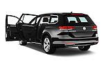Car images of 2016 Volkswagen Passat Alltrack 5 Door Wagon Doors