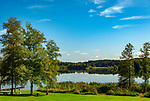 Deutschland, Bayern, Rosenheimer Land, Bad Endorf, Ortsteil Pelham: Pelhamer See, Teil der Eggstaett-Hemhofer Seenplatte, Badeplatz Pelhamer See | Germany, Bavaria, Rosenheimer Land, Bad Endorf, district Pelham: lake Pelham
