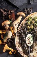 Gastronomie générale / Cuisine générale :  Ecrevisses et leur fricassée de champignons - Ingrédients crus