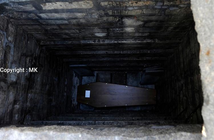 FILE -  burial in Paris, France<br /> <br /> PHOTO  :  Agence Quebec Presse