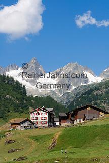 Switzerland, Canton Uri, Fernigen: small village at Sustenpass Road - Fuenffingerstock mountains with peaks Wendenhorn und Wasenhorn