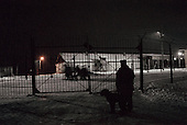 Nizhniy Novogrod, Russia..Prisoners are transferred under armed guards. The prison contains more than 100 TB prisoners.