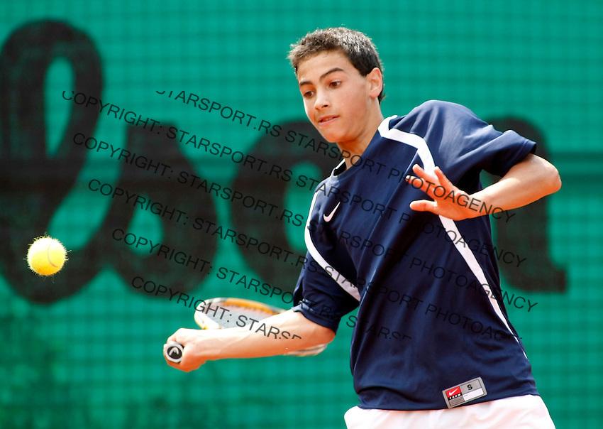 Tenis, World Championship U-14.World U-14 championship.USA Vs. Venezuela.Noah Rubin Vs. Rafael Coutinho.Noah Rubin, returnes.Prostejov, 04.08.2010..foto: Srdjan Stevanovic/Starsportphoto ©
