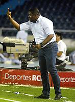 BARRANQUILLA - COLOMBIA - 24 - 03 - 2018: Huberth Bodhert, técnico de Once Caldas durante partido de la fecha 10 entre Atletico Junior y Once Caldas por la Liga Aguila I - 2018, jugado en el estadio Metropolitano Roberto Melendez de la ciudad de Barranquilla. / Huberth Bodhert, coach of Once Caldas during a match of the 10th date between Atletico Junior and Once Caldas for the Liga Aguila I - 2018 at the Metropolitano Roberto Melendez Stadium in Barranquilla city, Photo: VizzorImage  / Alfonso Cervantes / Cont. (BEST AVAILABLE QUALITY)