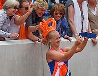 Paris, France, 26 June, 2016, Tennis, Roland Garros,  Kiki Bertens (NED) makes a selfyie with fans<br /> Photo: Henk Koster/tennisimages.com