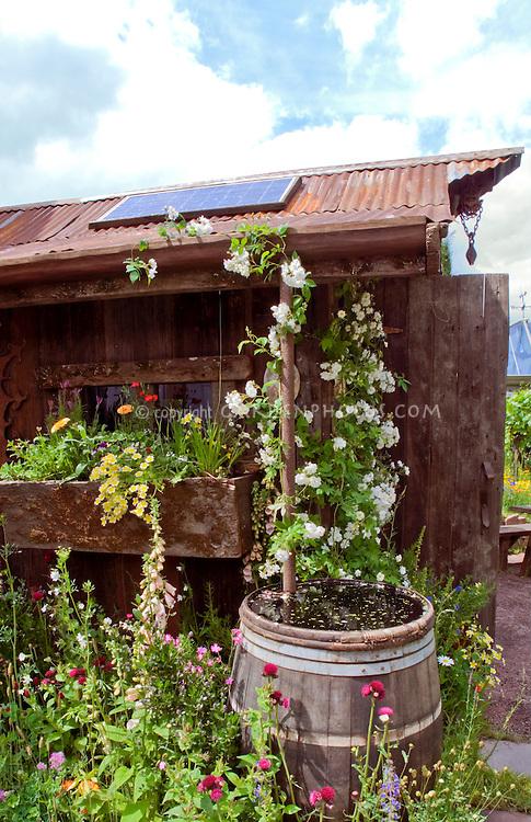 Solar energy Alternative in Garden Collecting Rain Water