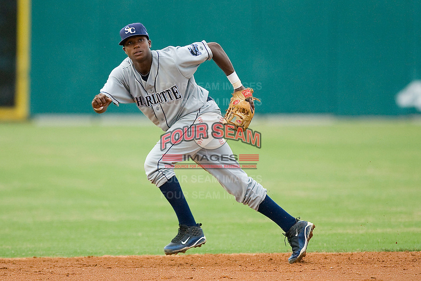 Shortstop Tim Beckham #22 of the Charlotte Stone Crabs on defense against the Jupiter Hammerheads at Roger Dean Stadium June 15, 2010, in Jupiter, Florida.  Photo by Brian Westerholt /  Seam Images