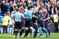 MADRI, ESPANHA, 02 MARÇO 2013 - CAMPEONATO ESPANHOL - REAL MADRID X BARCELONA - Victor Valdes (D) goleiro do do Barcelona em partida contra o Real Madrid em partida pela 26 rodada do Campeonato Espanhol, neste sabado, 02. (FOTO: ALEX CID-FUENTES / ALFAQUI / BRAZIL PHOTO PRESS).