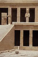 Afrique/Egypte/Louxor/Ancienne Thèbes: Temple d'Hatshepsout à Deir El Bahari - Détail