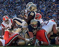 Pittsburgh running back Dion Lewis scores on a one-yard touchdown run. The Pittsburgh Panthers defeated the Syracuse Orange 37-10 at Heinz Field, Pittsburgh Pennsylvania on November 7, 2009..
