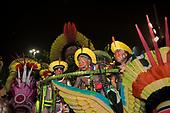 Imperatriz Leopolinense Samba School, Carnival, Rio de Janeiro, Brazil, 26th February 2017. Chiefs Raoni Metuktire and Megaron Txucarrhamãe aboard the float.