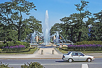 Philadelphia: Benjamin Franklin Parkway--Logan Circle (formerly Logan Square). Photo '91.