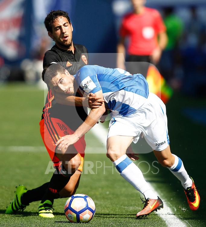 CD Leganes' Omar Ramos (r) and Valencia CF's Daniel Parejo during La Liga match. September 25,2016. (ALTERPHOTOS/Acero)