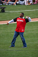 Cincinnati Reds great Ken Griffey Jr. throws out the ceremonial first pitch during the MLB Home Run Derby on July 13, 2015 at Great American Ball Park in Cincinnati, Ohio.  (Mike Janes/Four Seam Images)