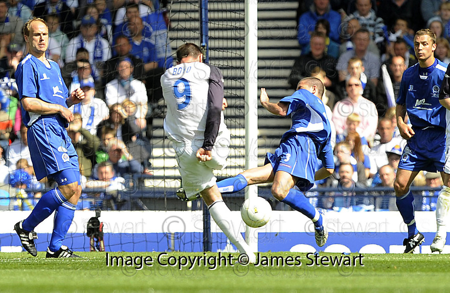 24/05/2008   Copyright Pic: James Stewart.File Name : sct_jspa02_qots_v_rangers.KRIS BOYD SCORES THE FIRST.James Stewart Photo Agency 19 Carronlea Drive, Falkirk. FK2 8DN      Vat Reg No. 607 6932 25.Studio      : +44 (0)1324 611191 .Mobile      : +44 (0)7721 416997.E-mail  :  jim@jspa.co.uk.If you require further information then contact Jim Stewart on any of the numbers above........