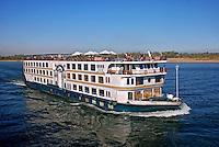 Barcos de turismo no rio Nilo. Egito. 2010. Foto de Vinicius Romanini.