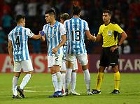 MEDELLIN-COLOMBIA, 18-02-2020: Jugadores de Club Atletico Tucuman (ARG), al final de partido entre Deportivo Independiente Medellin (COL) y Club Atletico Tucuman (ARG), por la Copa Conmebol Libertadores 2020 en el estadio Atanasio Girardot de la ciudad de Medellin. / Players of Club Atletico Tucuman (ARG) at the end of a match between Deportivo Independiente Medellin (COL) and Club Atletico Tucuman (ARG), for the Copa Conmebol Libertadores 2020 at the Atanasio Girardot stadium in Medellin city. / Photo: VizzorImage  / Leon  Monsalve / Cont.