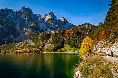 Austria, Upper Austria, Salzkammergut, Gosau: Gosau Lake and Dachstein mountains   Oesterreich, Oberoesterreich, Salzkammergut, Gosau: vorderer Gosausee vorm Dachsteingebirge, Gosaukamm