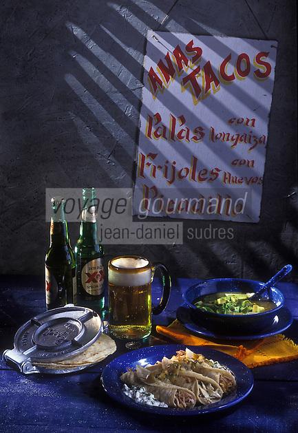 Amérique du Nord/Mexique/Mexico: Tortillas de porc et de poulet