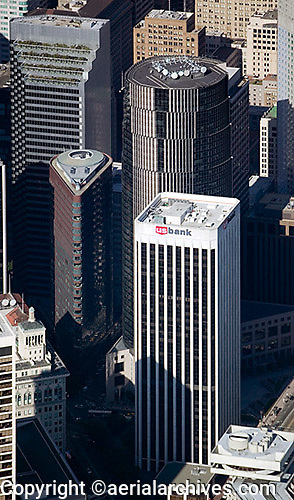 aerial photograph One California Street, One Pine Street, One Front Street, 101 California Street skyscrapers San Francisco