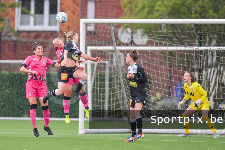 Niekie Pellens (41) of Eendracht Aalst , Megane Vos (20) of Sporting Charleroi pictured during a female soccer game between Sporting Charleroi and Eendracht Aalst on the 8th matchday in play off 2 of the 2020 - 2021 season of Belgian Scooore Womens Super League , tuesday 18 th of May 2021 in Marcinelle , Belgium . PHOTO SPORTPIX.BE | SPP | STIJN AUDOOREN