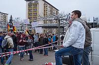 Etwa 150 Anhaenger der sogenannten Hoygida, ein Ableger rechten Pegida-Bewegung im saechsischen Hoyerswerda, versammelten sich am Samstag den 24. Januar 2015 in der Kleinstadt zu einer Demonstration gegen eine angebliche Islamisierung Deutschlands.<br /> Etwa 100 der Veranstaltungsteilnehmer waren militante Neonazis und Hooligans aus Sachsen und Brandenburg.<br /> 24.1.2015, Hoyerswerda<br /> Copyright: Christian-Ditsch.de<br /> [Inhaltsveraendernde Manipulation des Fotos nur nach ausdruecklicher Genehmigung des Fotografen. Vereinbarungen ueber Abtretung von Persoenlichkeitsrechten/Model Release der abgebildeten Person/Personen liegen nicht vor. NO MODEL RELEASE! Nur fuer Redaktionelle Zwecke. Don't publish without copyright Christian-Ditsch.de, Veroeffentlichung nur mit Fotografennennung, sowie gegen Honorar, MwSt. und Beleg. Konto: I N G - D i B a, IBAN DE58500105175400192269, BIC INGDDEFFXXX, Kontakt: post@christian-ditsch.de<br /> Bei der Bearbeitung der Dateiinformationen darf die Urheberkennzeichnung in den EXIF- und  IPTC-Daten nicht entfernt werden, diese sind in digitalen Medien nach §95c UrhG rechtlich geschuetzt. Der Urhebervermerk wird gemaess §13 UrhG verlangt.]