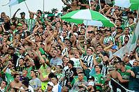 MEDELLÍN -COLOMBIA-8-MAYO-2016. Hinchas del Nacional contra Medellín.Acción de juego entre  Atlético Nacional  y el Medellin  durante partido por la fecha 17 de Liga Águila I 2016 jugado en el estadio Atanasio Girardot ./ Fans of Nacional against Medellin .Action game between  Atletico Nacional and  Medelllin during the match for the date 17 of the Aguila League I 2016 played at Atanasio Girardot  stadium in Medellin . Photo: VizzorImage / León Monsalve  / Contribuidor