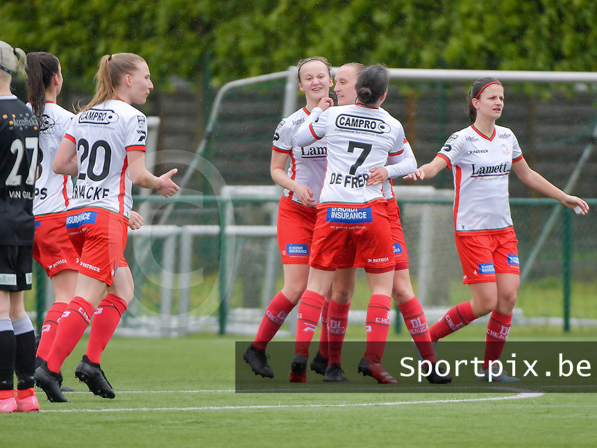 Zulte players celebrate the goal of Ella Vierendeels (4) of Zulte-Waregem from penalty during a female soccer game between SV Zulte - Waregem and Eendracht Aalst on the 9 th matchday in play off 2 of the 2020 - 2021 season of Belgian Scooore Womens Super League , saturday 22 nd of May 2021  in Zulte , Belgium . PHOTO SPORTPIX.BE   SPP   DIRK VUYLSTEKE