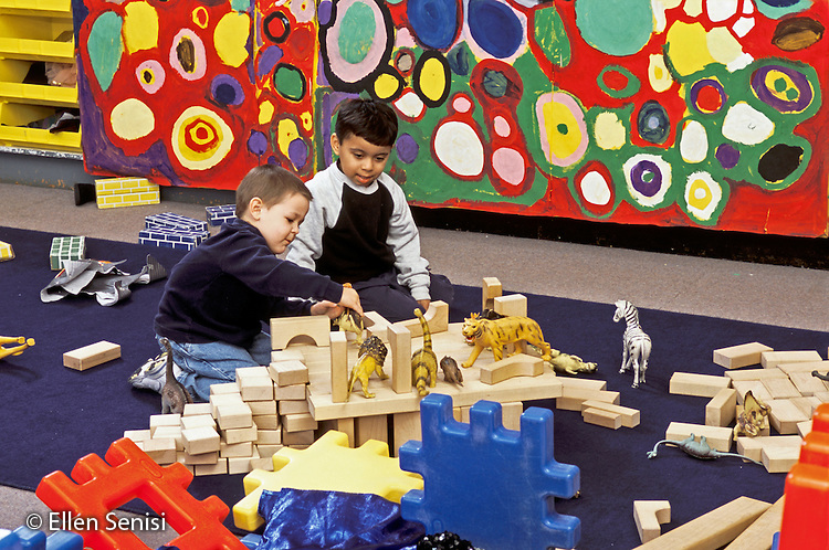 MR / Schenectady, NY.Yates Arts Magnet School / Pre-K.Boys (4, one Mexican-American) use blocks and toy animals for imaginative play at free play time..MR: Mar19 / Fif1.PN#: 30418                         FC#: 23966-00519.scan from slide.©Ellen B. Senisi