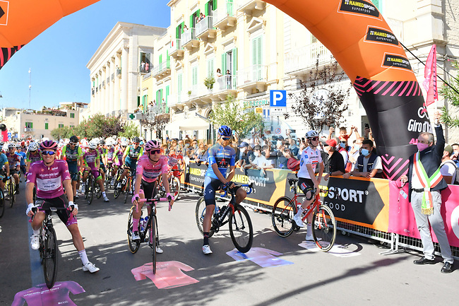 The leaders jerseys lined up for the start of Stage 8 of the 103rd edition of the Giro d'Italia 2020 running 200km from Giovinazzo to Vieste, Sicily, Italy. 10th October 2020.  <br /> Picture: LaPresse/Massimo Paolone | Cyclefile<br /> <br /> All photos usage must carry mandatory copyright credit (© Cyclefile | LaPresse/Massimo Paolone)