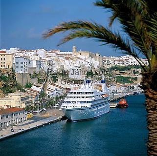 Spain, Balearic Islands, Menorca, Mahon (Maó): Harbour view with the Cruiseship Seabourn Legend   Spanien, Balearen, Menorca, Mahon (Maó): Stadt und Hafen mit Kreuzfahrtschiff Seabourn Legend