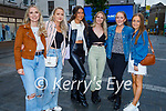 Enjoying the night out in Tralee town on Saturday evening. L to r: Rhianna Clinton, Rachel Quinn, Nela Vudayova, Emily Clinton, Jennifer Nolan and Lauren Kelly.