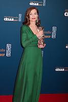 """ISABELLE HUPPERT, CESAR DE LA MEILLEURE ACTRICE POUR LE FILM """"ELLE"""" - 42EME CEREMONIE DES CESAR LE 24 FEVRIER 2017 A LA SALLE PLEYEL"""