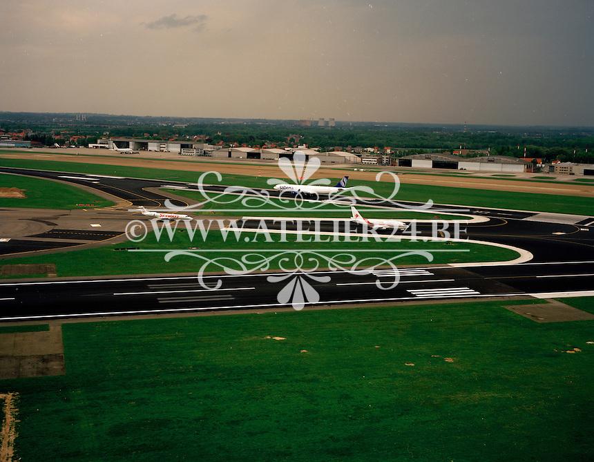 Mei 1999. Vliegtuig van Sabena op de luchthaven van Zaventem.